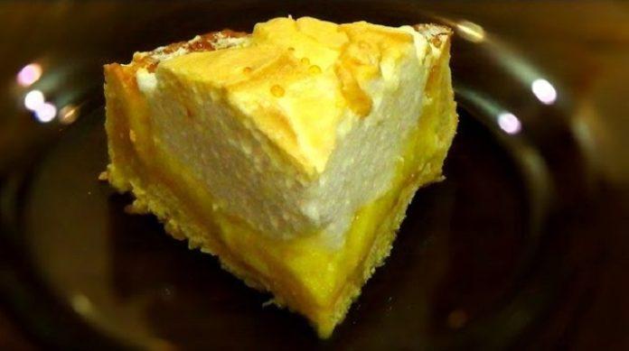Великолепный лимонный пирог с безе