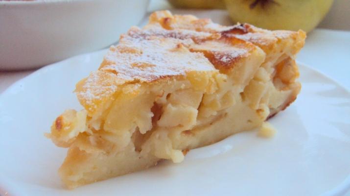 Вкуснейшая творожная запеканка с яблоками