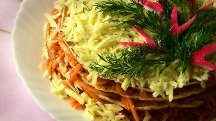 Закусочный торт с курицей и морковью