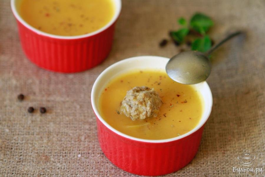Очень аппетитный тыквенный суп с фрикадельками