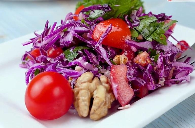 Салат из красной капусты: побалуйте свой желудок