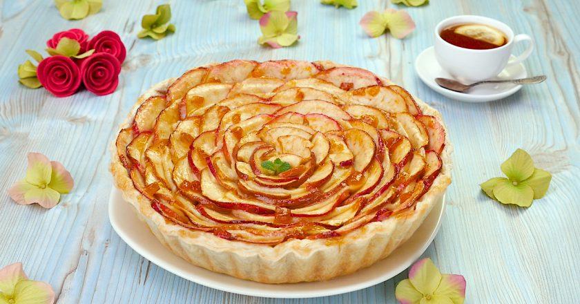 Яблочный пирог с пудингом: входит в десятку вкуснейших пирогов
