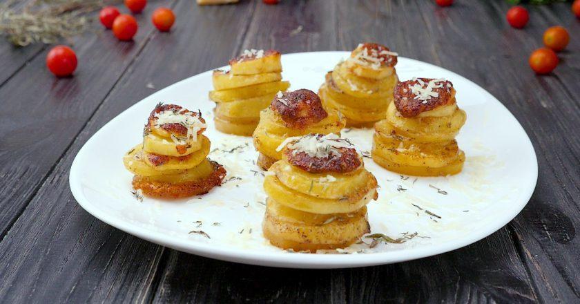 Красивый гарнир на скорую руку: картофель в формочках