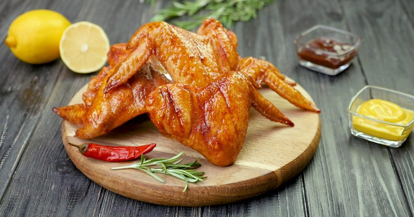 Куриные крылышки в духовке: чтобы не чахнуть над сковородой