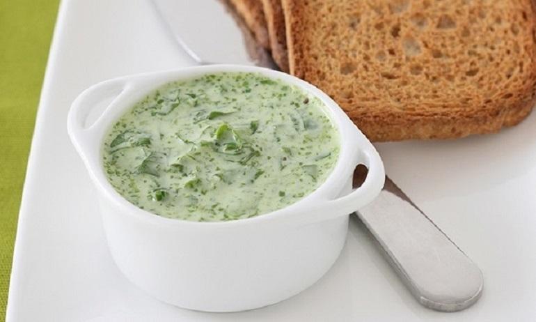 Легкие соусы на основе йогурта: вкуснее, чем майонез