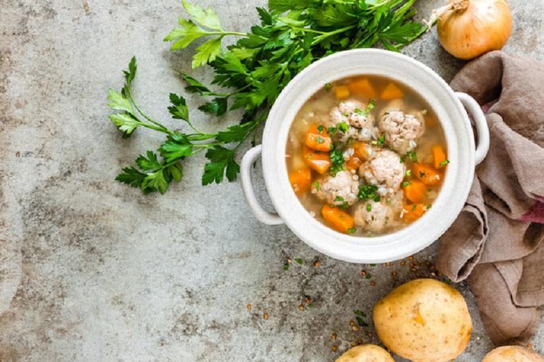 Суп с фрикадельками: классика первых блюд