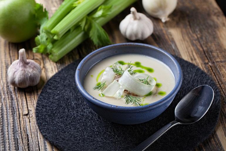 Суп для похудения из сельдерея: пользуемся моментом
