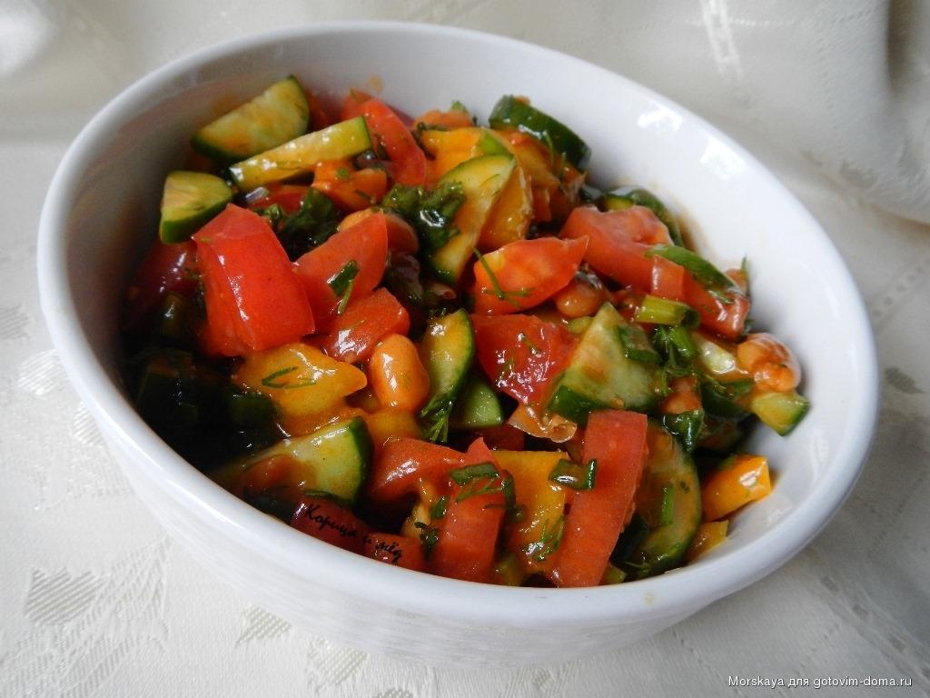 Диетический салатик с фасолью и овощами