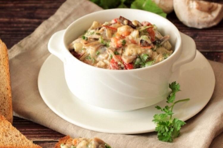 Обалденная закуска из баклажанов со сметаной и грибами