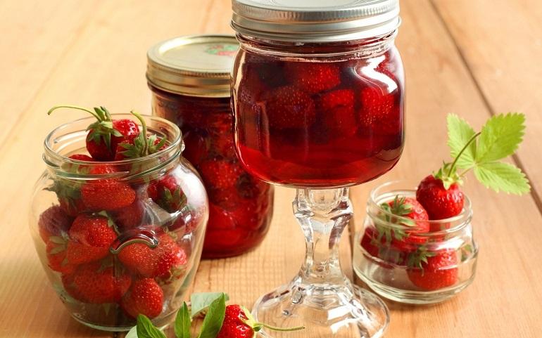 Клубника в собственном соку: на вкус, как свежая ягода!