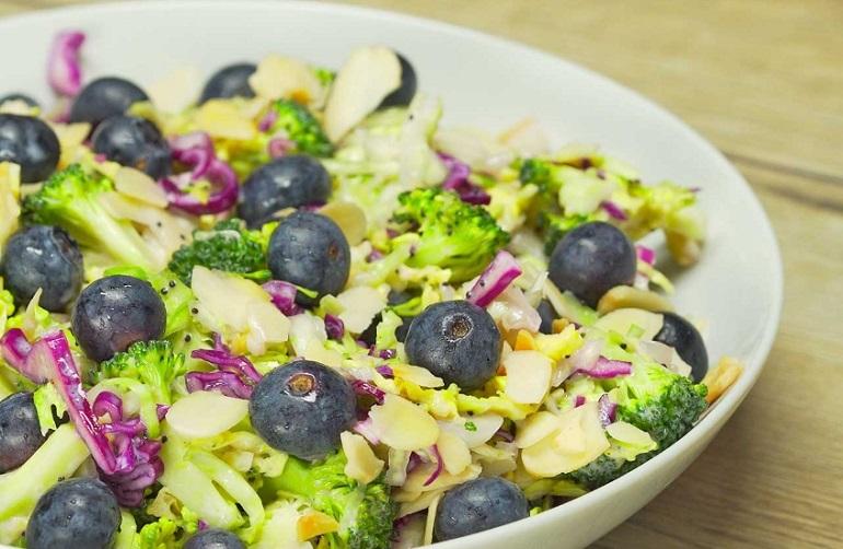 Ароматный салат «Четыре капусты»: кладезь витаминов
