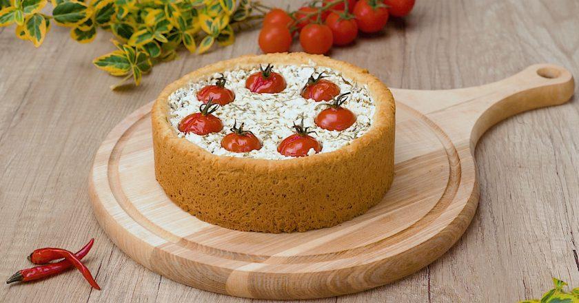 Творожный пирог с помидорами: начинка на первом месте