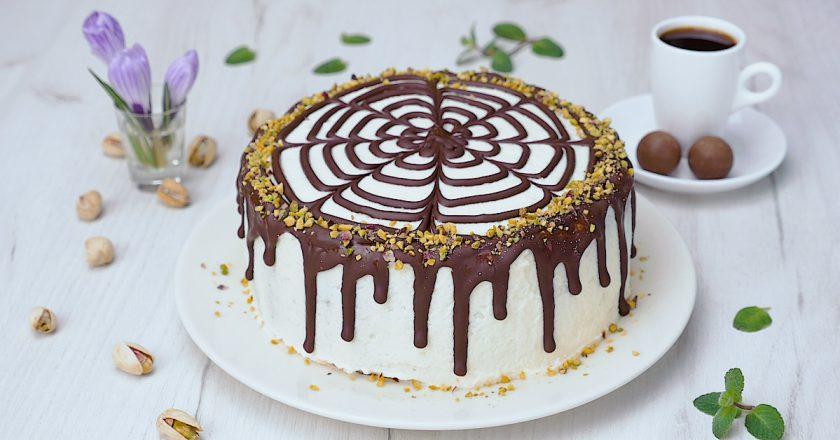 Торт из галетного печенья: интересный десерт без выпечки