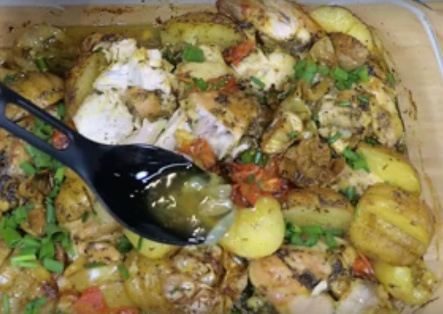 Вкуснейшее жаркое из курицы и овощей