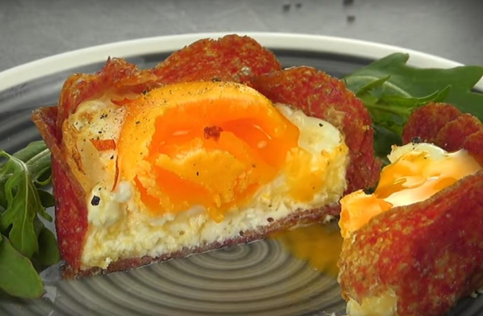 Потрясающе вкусная закуска с салями и яйцами