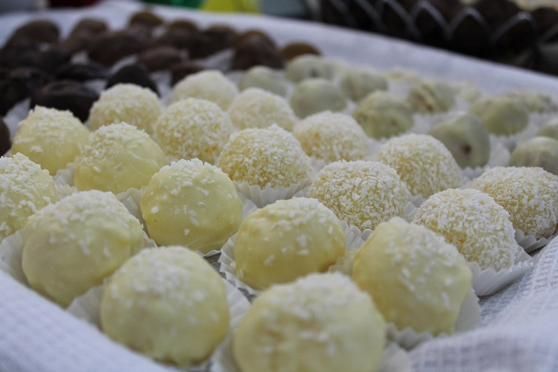 Десерты из сгущенного молока: подборка рецептов для сладкоежек
