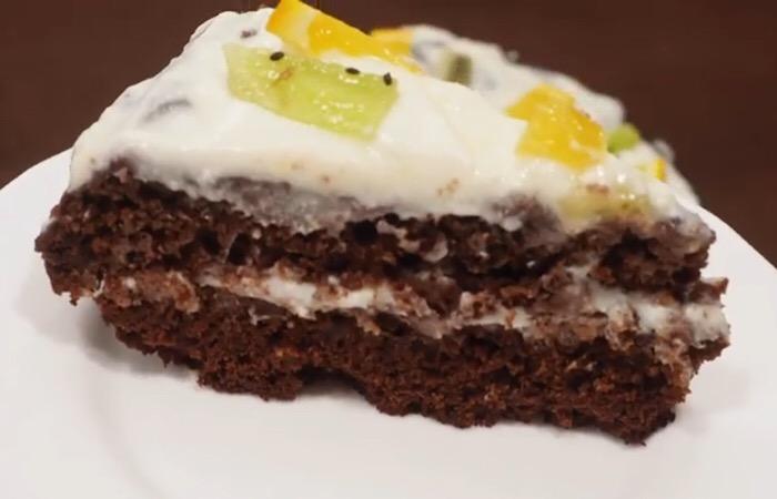 Готовим в мультиварке: восхитительный шоколадный бисквит без яиц