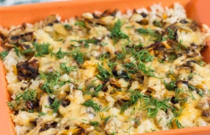 Сытный и очень вкусный слоеный рис