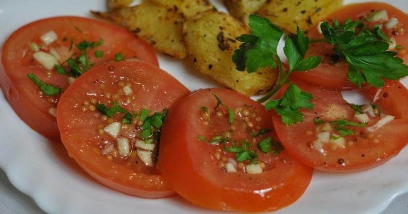 Помидоры, маринованные по-итальянски: готовы через 30 минут