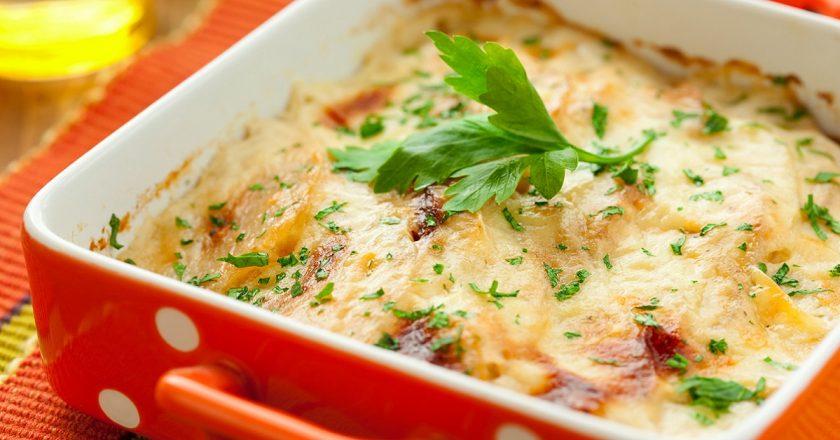 Картофельная запеканка с сыром: восхитительное блюдо для ленивых