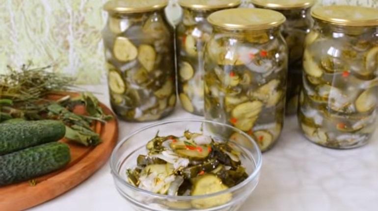 Хрустящий салат из огурцов: закрываем вкусняшки на зиму