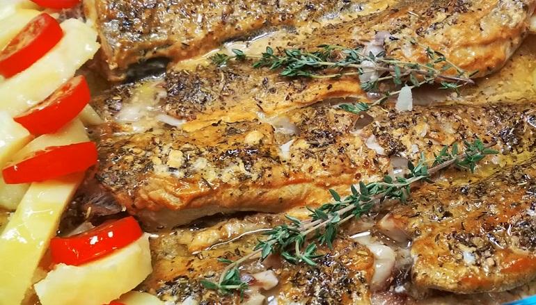 Запеченный минтай с горчицей: круче, чем дорогая рыба
