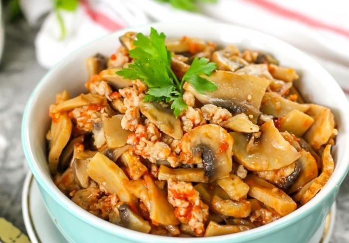 Вкуснейшая подлива с мясом и грибами