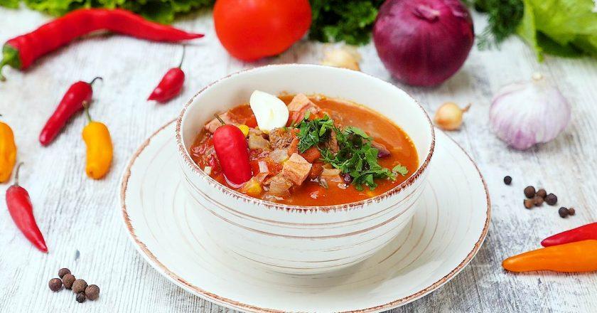 Гуляш из говядины: два рецепта для нежного мяса