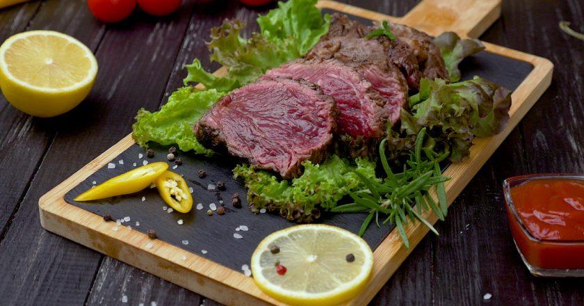 Идеальный классический стейк: рецепт вкусного мяса