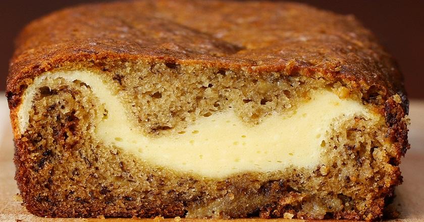 Вкуснейший банановый кекс с сырной начинкой
