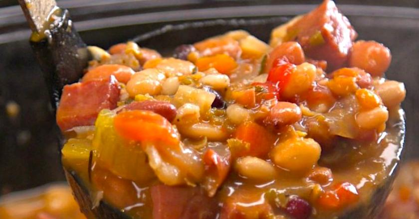 Отменный фасолевый суп с ветчиной