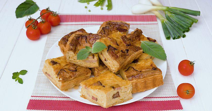 Луковый пирог с беконом: быстро, просто, экономно!