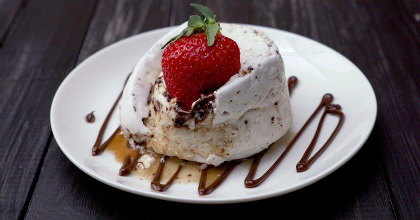 Десерт «Пташине молоко»: готуємо в мікрохвильовій печі