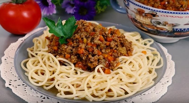 Вкусная мясная подлива к любому гарниру: не классический соус «Болоньезе»