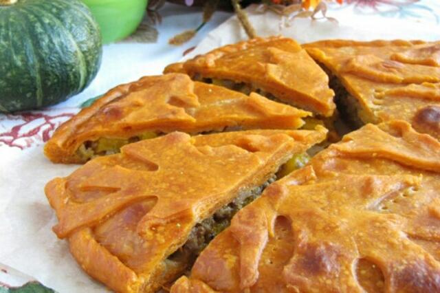 Аппетитный пирог с тыквой и мясом