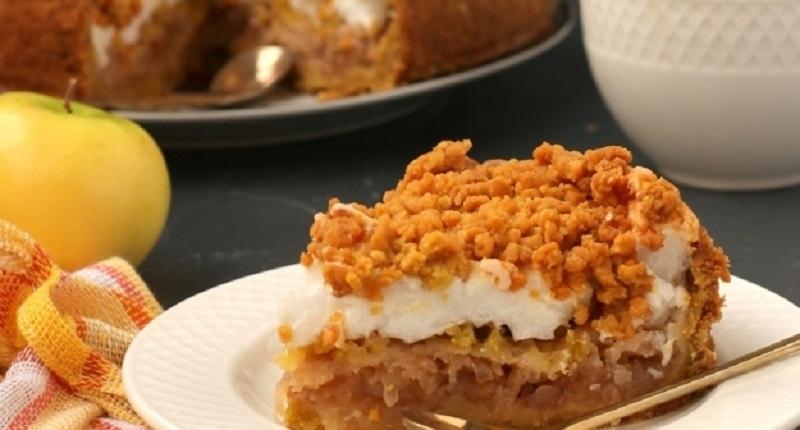 Польский яблочный пирог с безе и крошкой: наслаждаемся выпечкой