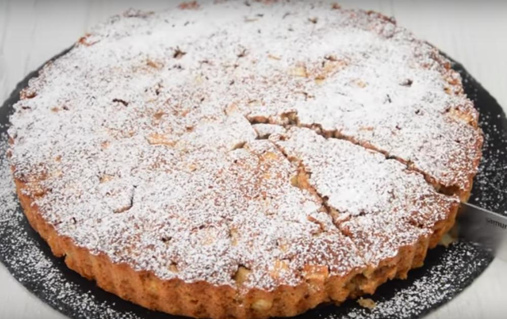 Овсяный пирог с яблоками - вкусное и аппетитное блюдо