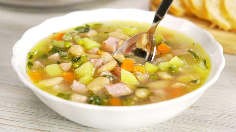 Фасолевый суп с ветчиной: готов уже через полчаса