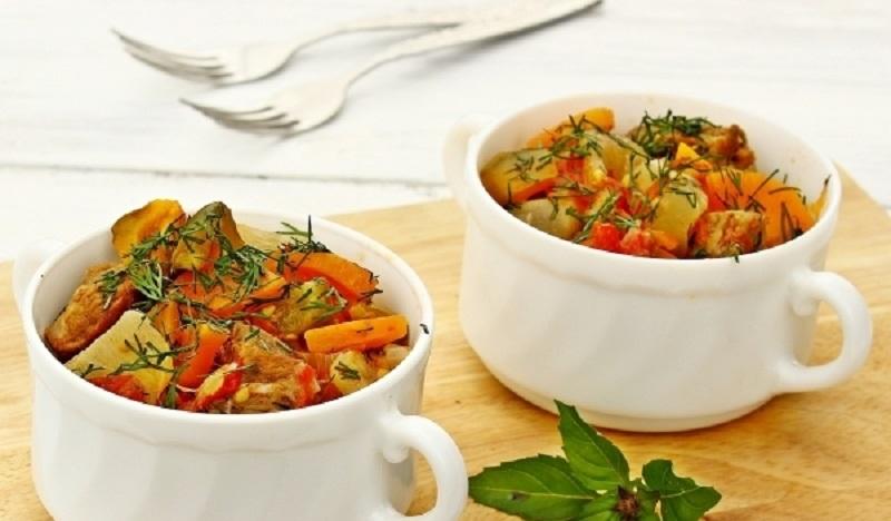 Рагу с куриным филе и баклажанами: вкусное диетическое блюдо