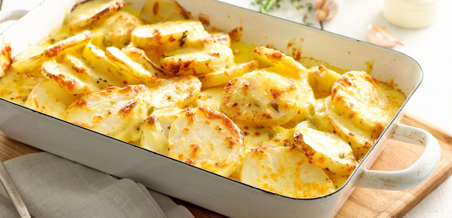 Очень аппетитный гарнир: картофель под яично-майонезным соусом