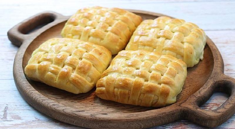 Плетеные слойки с сыром: «лапоточки» для перекса