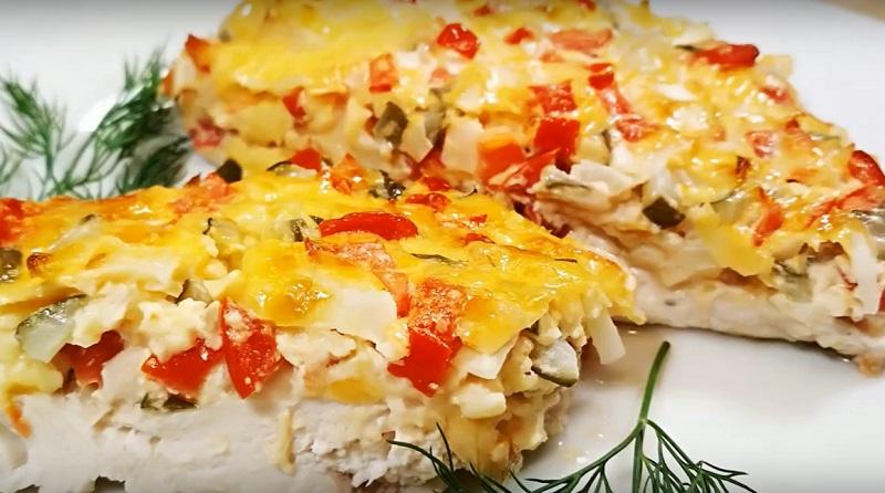 Курица с солеными огурцами: дежурный ужин на скорую руку