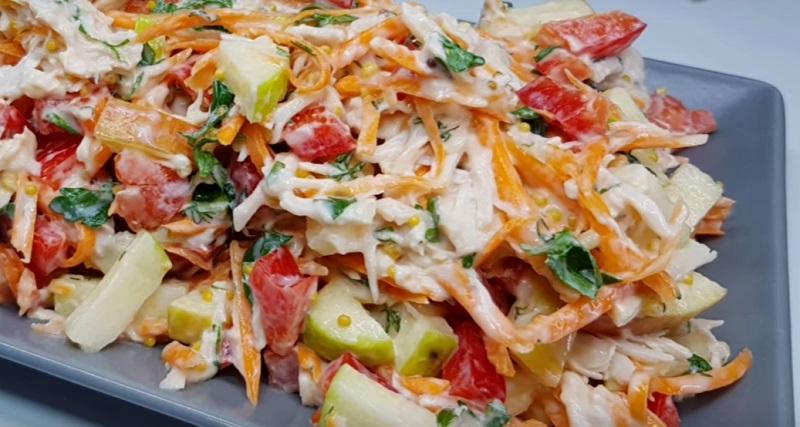 Легкий осенний салат с курицей: съели с удовольствием