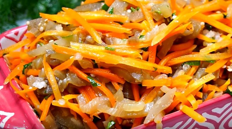 Маринованный салат из моркови и баклажанов: отличная закуска под все!