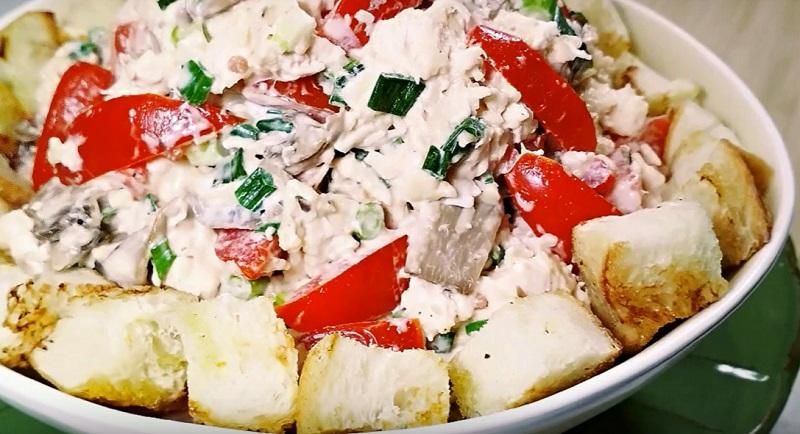 Шикарный венгерский салат с курицей и грибами: безумно вкусный!