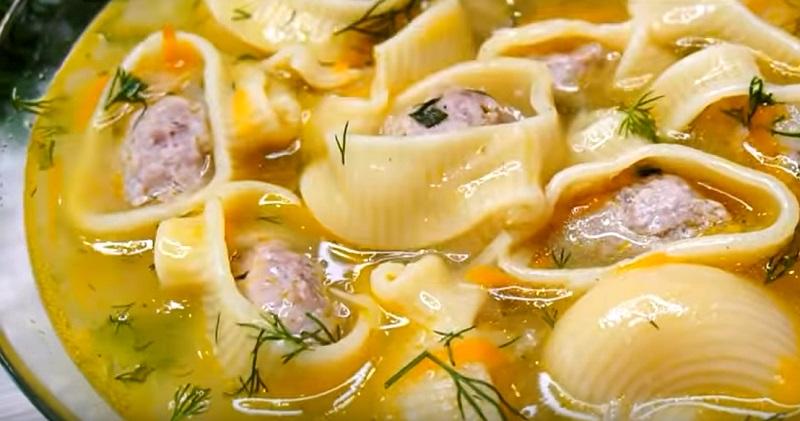 Суп с фаршированными «сапожками»: так готовила моя бабушка