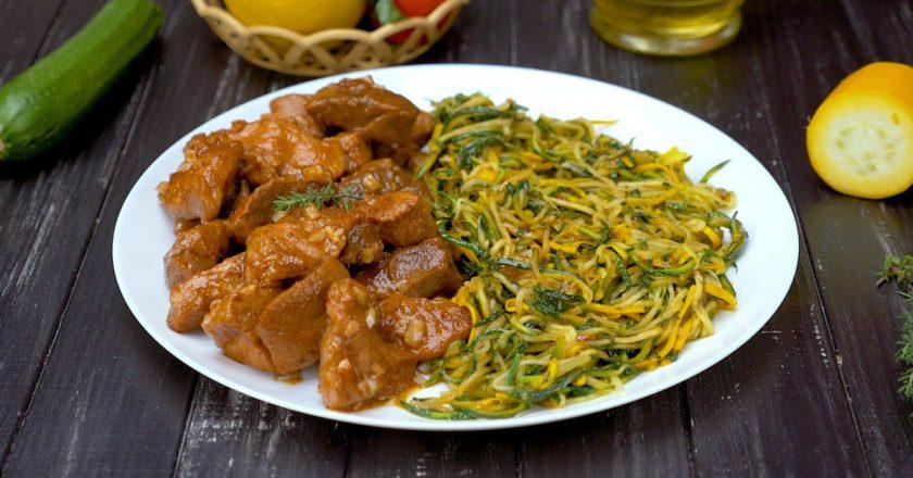 Спагетти из кабачков со свининой: строительная дрель вам в помощь