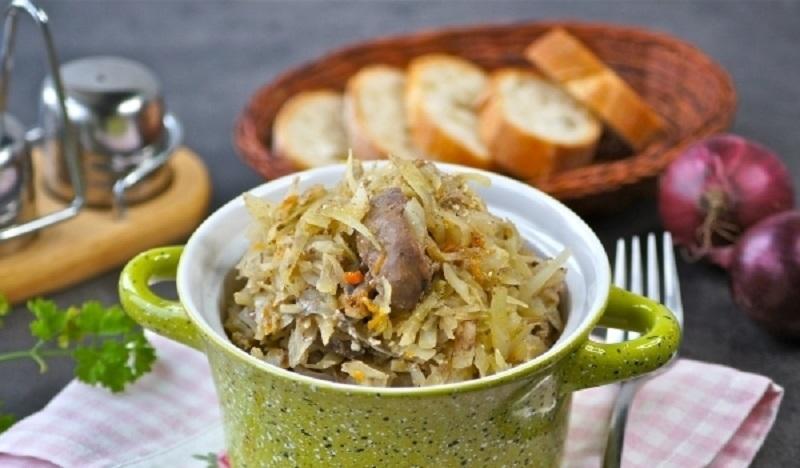 Тушеная капуста с куриной печенью: вкусное полноценное блюдо