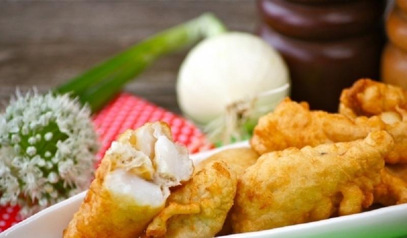 Рыба в кляре, жаренная во фритюре: вкусная и сочная