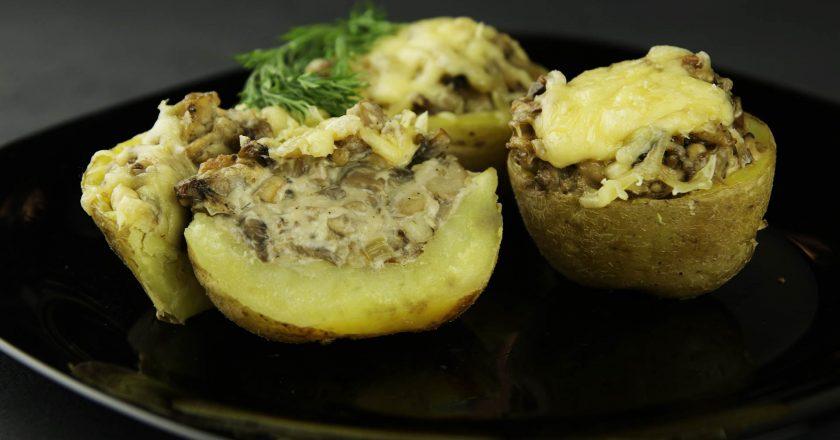 Жюльен в кокотнице из картофеля: небанальная подача вкусного блюда